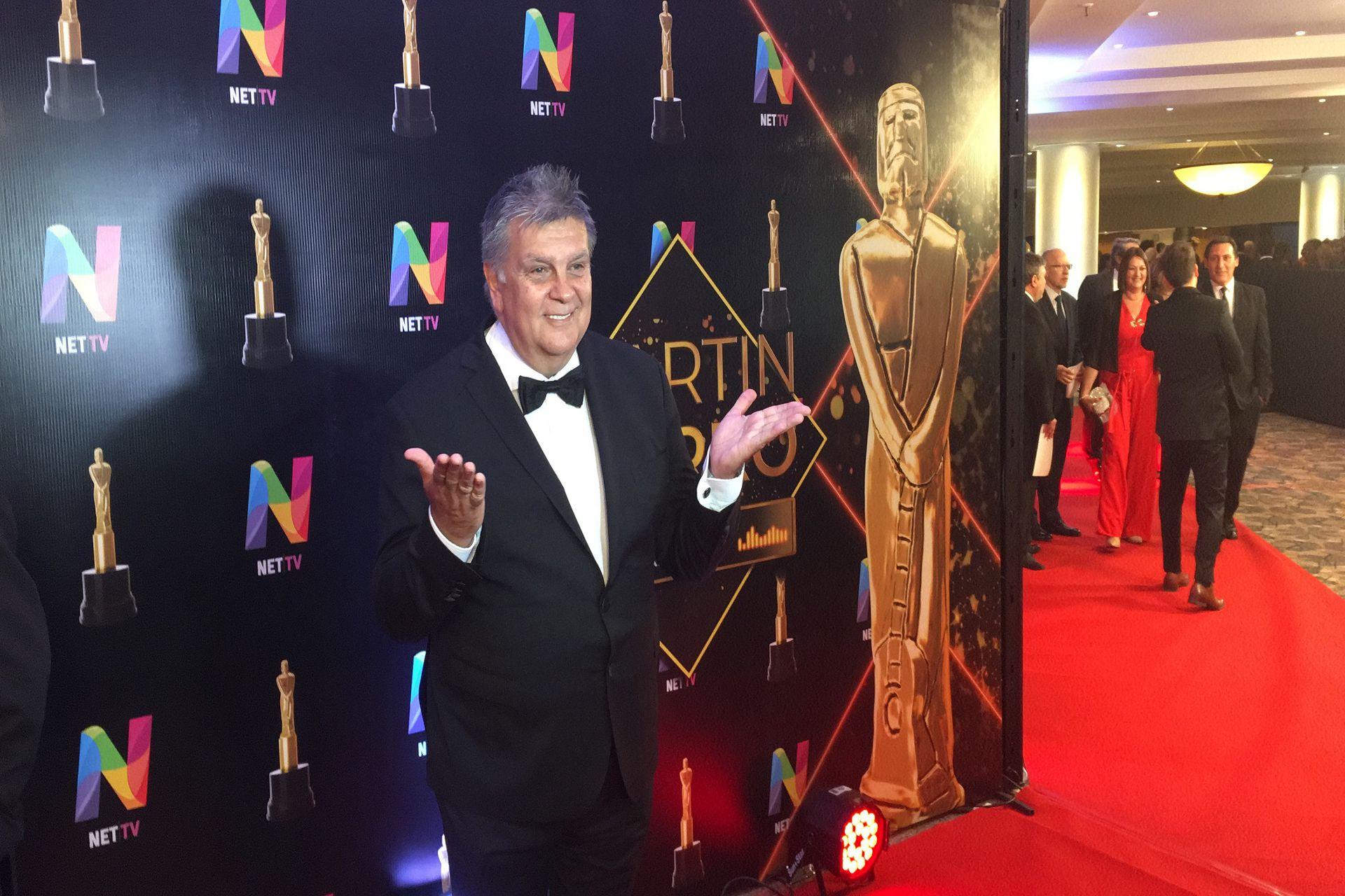 El presidente de Aptra, Luis Ventura, en la alfombra roja de los premios Martín Fierro