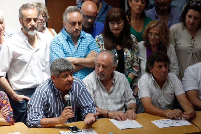 Camioneros y las CTA anunciaron el primer plan de lucha del año contra Macri