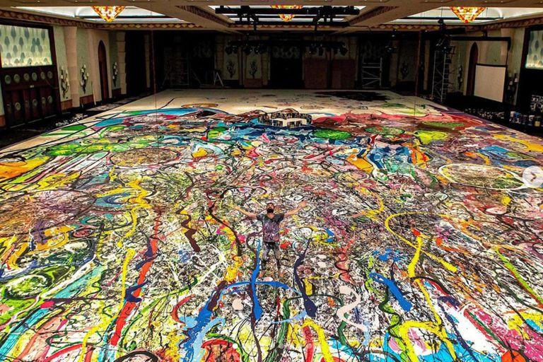 Récord: pinta la obra más grande del mundo y quiere venderla por US$30 millones