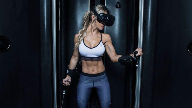 Nueva tendencia para ponerte en forma: usar realidad virtual