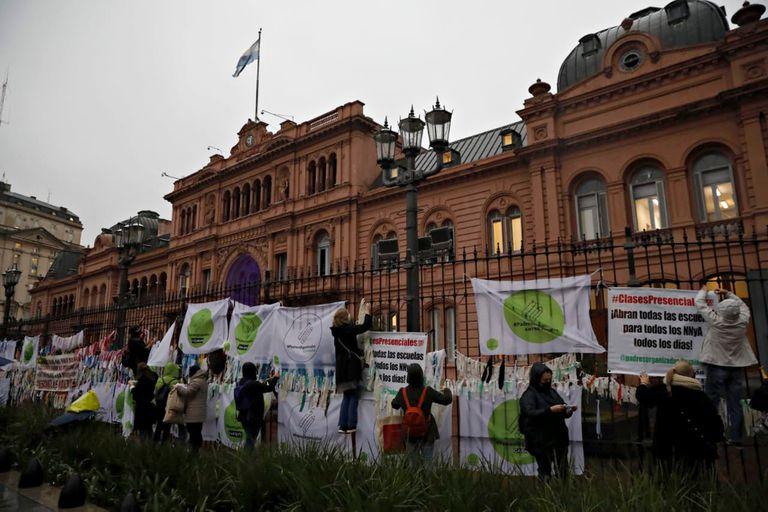 Frente a Casa Rosada, Padres Organizados exigió que todos los chicos regresen a la presencialidad