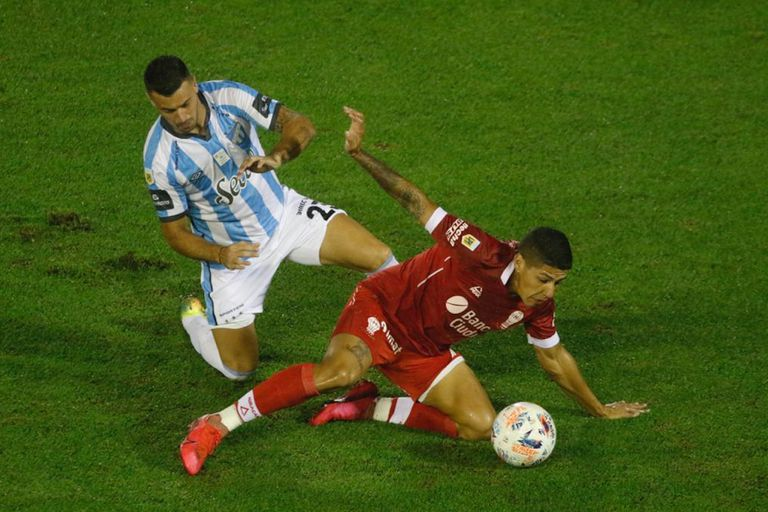 Huracán buscaba sumar puntos ante Atlético Tucumán