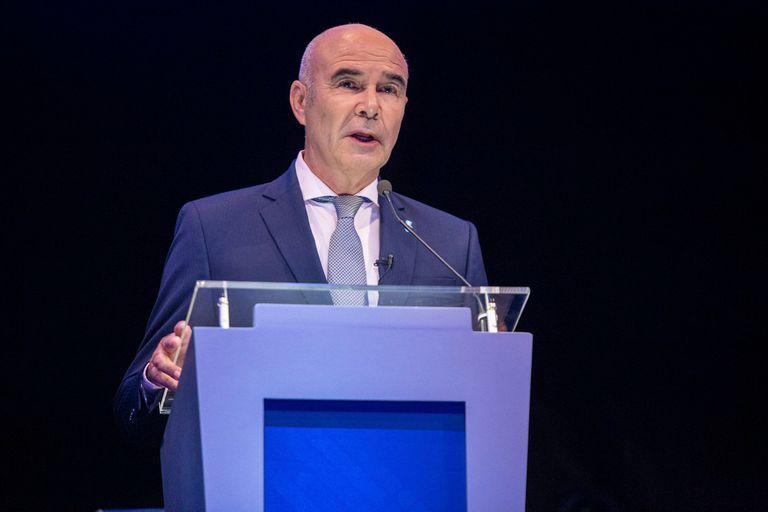 Juan José Gómez Centurión: las dos vidas y la pesadilla del reloj