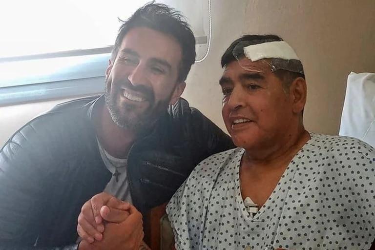 Luque compartió en el chat con la familia de Diego la foto que se sacó con Maradona