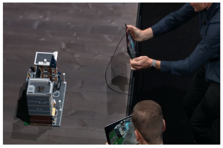 Con iOS 12 llega la posibilidad de que dos usuarios interactuen con realidad aumentada sobre el mismo objeto