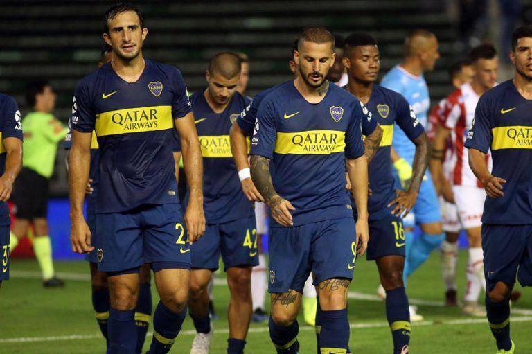 Darío Benedetto enojado con el nivel de su equipo