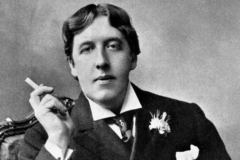 Oscar Wilde, en El crítico como artista, explicaba que el propósito de la crítica es acrecentar la belleza del mundo, incluyendo al propio trabajo crítico