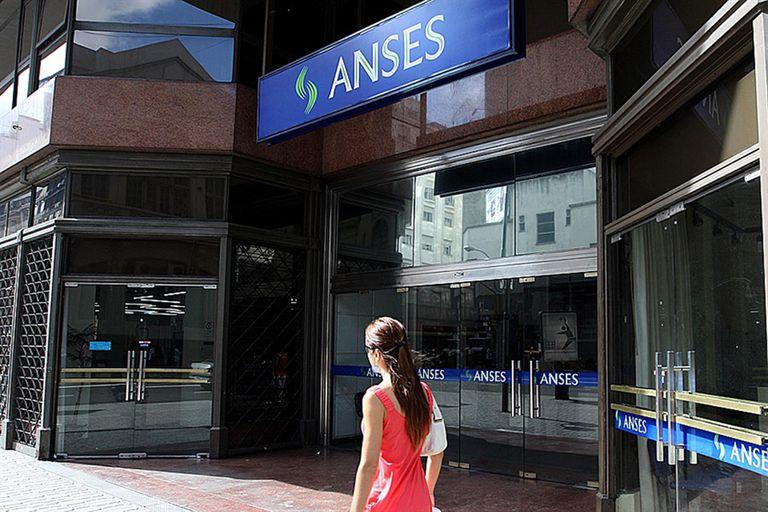 El Gobierno coloca nueva deuda a la Anses por $10.000 millones