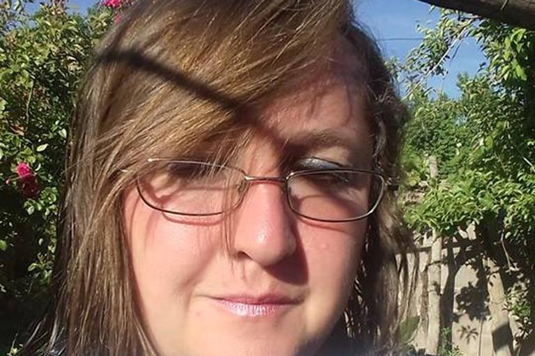 """""""Necesito romper el silencio. Muchas veces sentí la necesidad de escribirles a los exhermanos y exhermanas de la comunidad"""", dice Valeria Zarsa"""