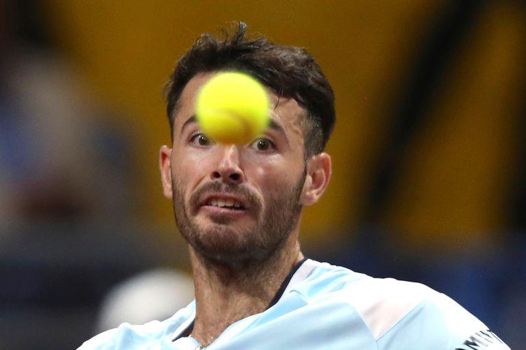 Las pelotas despresurizadas son una complicación para el equipo argentino, aunque Londero las padeció menos que Leonardo Mayer.