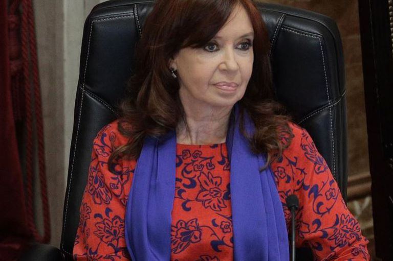 """Cristina Kirchner pidió al tribunal una audiencia previa a la definición del juicio, como en la causa del """"Dólar futuro"""""""
