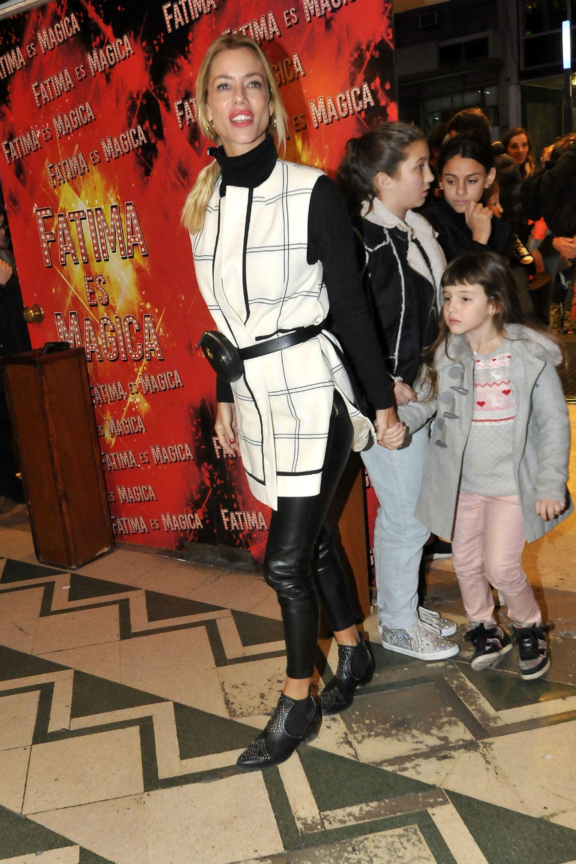 Nicole Neumann también disfrutó de una salida en compañía de sus hijas