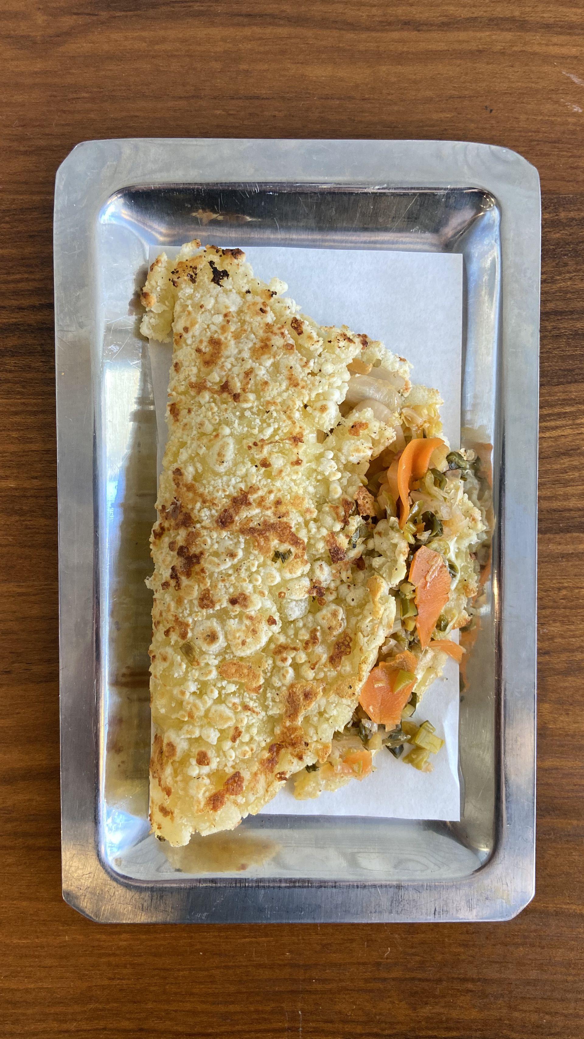 Mbeju de queso y kimchi, un plato que se ofrece en Comedor Diario