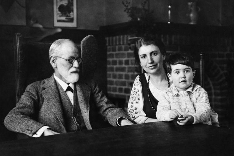 Las mujeres de Freud: del affaire con su cuñada al experimento con su hija
