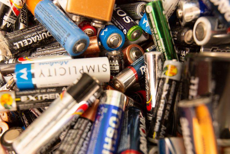 reciclaje de aceite, pilas y aparatos electrónicos