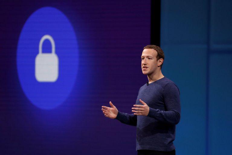 ¿Cuáles mentiras incitan al odio y cuáles no? Facebook tampoco lo sabe