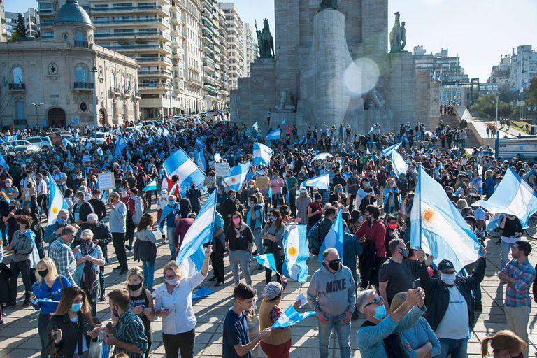 Protestas contra las medidas restrictivas en Argentina