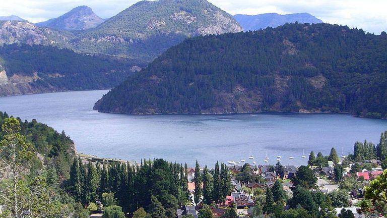 Vista aérea San Martín de los Andes. Foto: Wikipedia