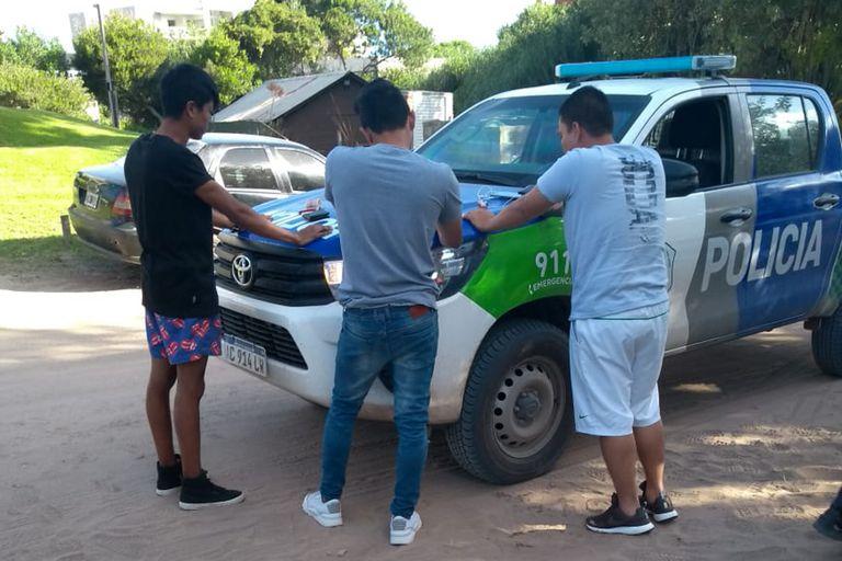 Arrestaron a cuatro colombianos por robar vehículos en Cariló