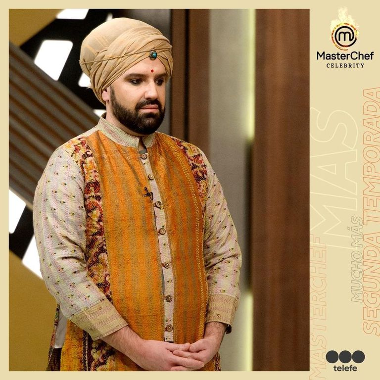 Damián Betular sorprendió a los televidentes al vestirse con ropas típicas de la India para la gala de MasterChef Celebrity dedicada a la cocina hindú.