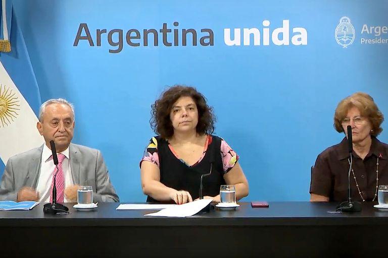 Carla Vizzotti, junto a los expertos Pedro Cahn, de la Fundación Huésped, y Mirta Roses, embajadora de la OMS