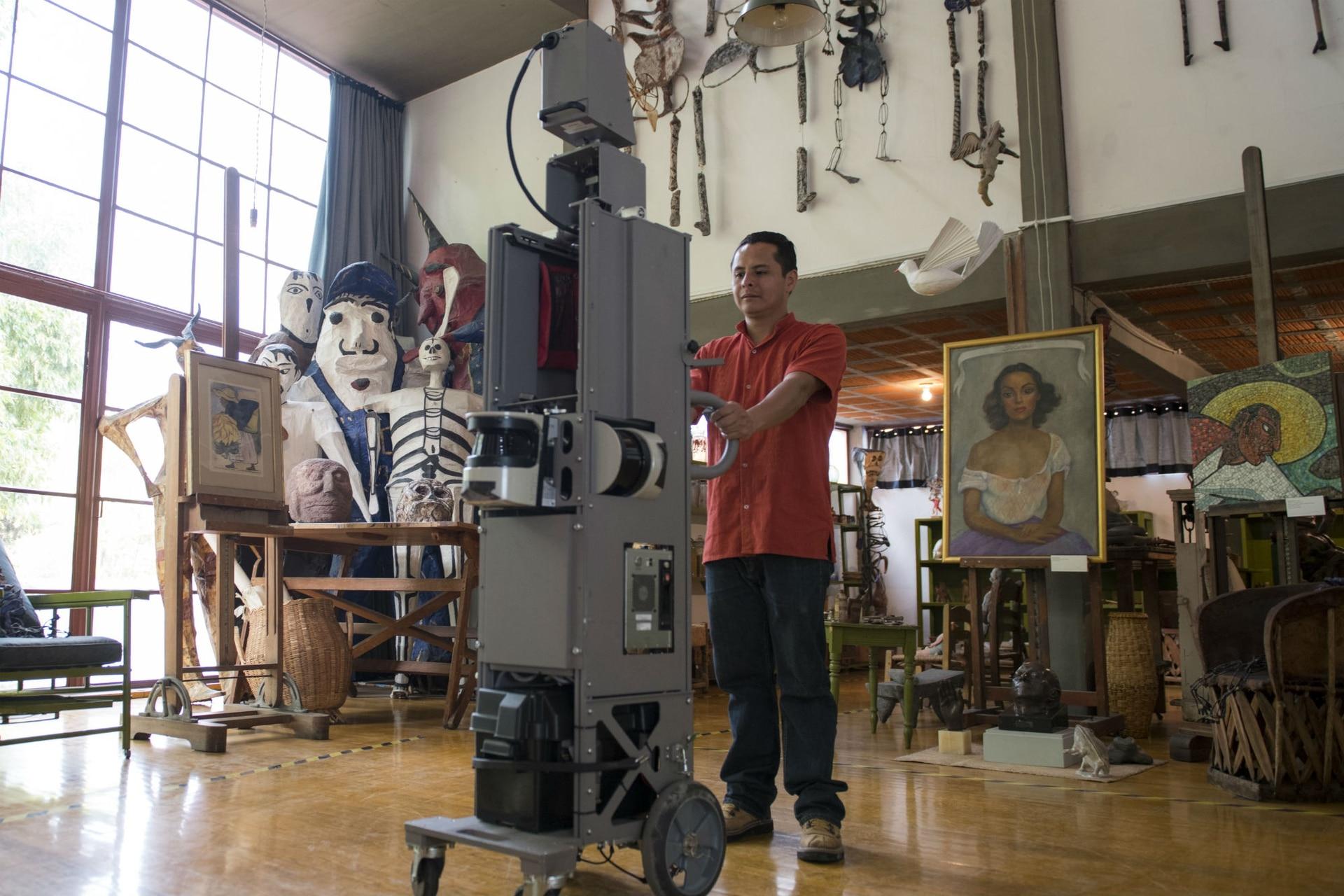 La filmación en una de las casas donde la artista vivió con Diego Rivera