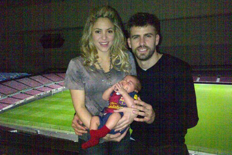 La primera foto oficial de la familia Shakira-Piqué