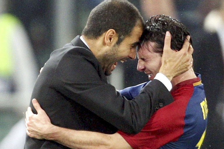 Leo Messi y Pep Guardiola festejando la Champions League 2009, un equipo de colección, que traspasa el tiempo