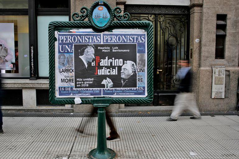 El afiche de Macri y Barrionuevo