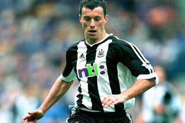 Con la camiseta de Newcastle, donde lo dirigió Bobby Robson y fue compañero de Alan Shearer