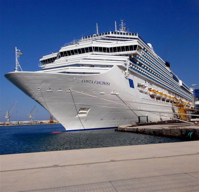 Se espera que el imponente crucero Costa Fascinosa realice la temporada de verano desde el puerto de Buenos Aires