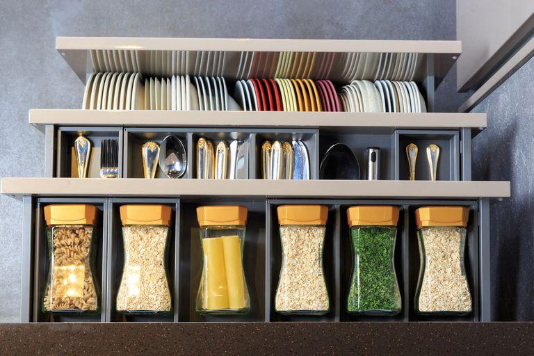 Así deberías ordenar tu cocina según Marie Kondo