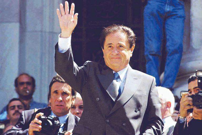 Eduardo Duhalde en marzo de 2002. Asumió la presidencia en enero de ese año, y continuó hasta mayo de 2003