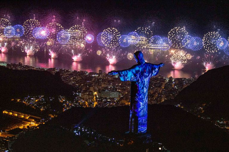 Fuegos artificiales durante la celebración del 1 de enero de 2019, en Rio de Janeiro