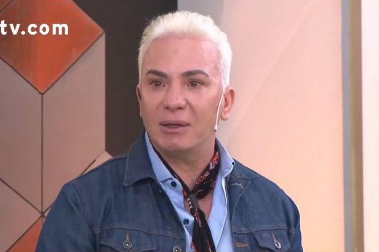"""Flavio Mendoza lloró por los artistas en cuarentena: """"Me piden para comer"""""""