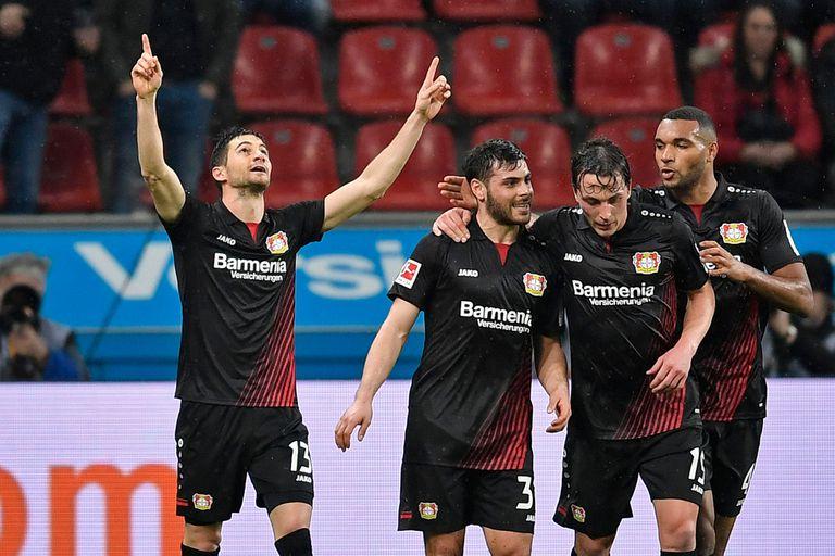 Lucas Alario anotó y asistió en la victoria de Bayer Leverkusen