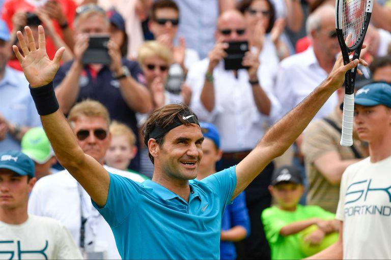 Federer campeón en Stuttgart: de nuevo como número uno, derrotó a Milos Raonic