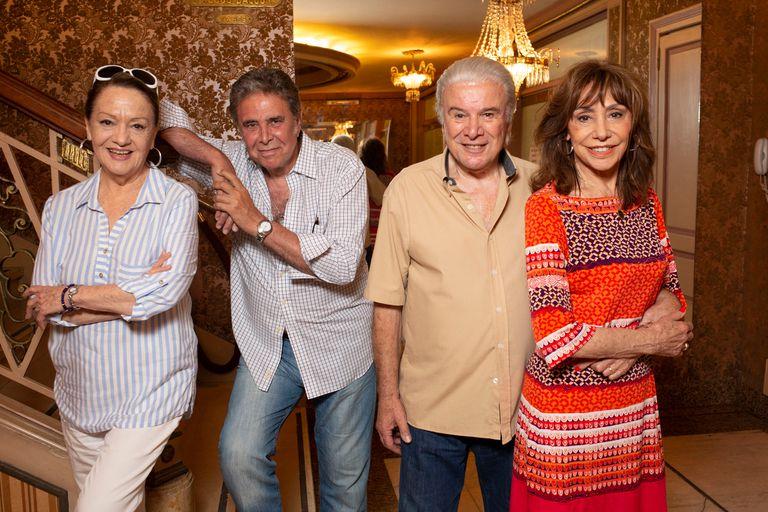 Alberto Martín, junto a sus compañeros Mercedes Carreras, Jorge Martínez y Marta Bianchi