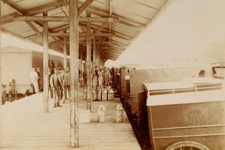 El predio del Patio de los Lecheros era un centro de distribución de la leche que llegaba en tren a Buenos Aires desde los tambos del interior del país
