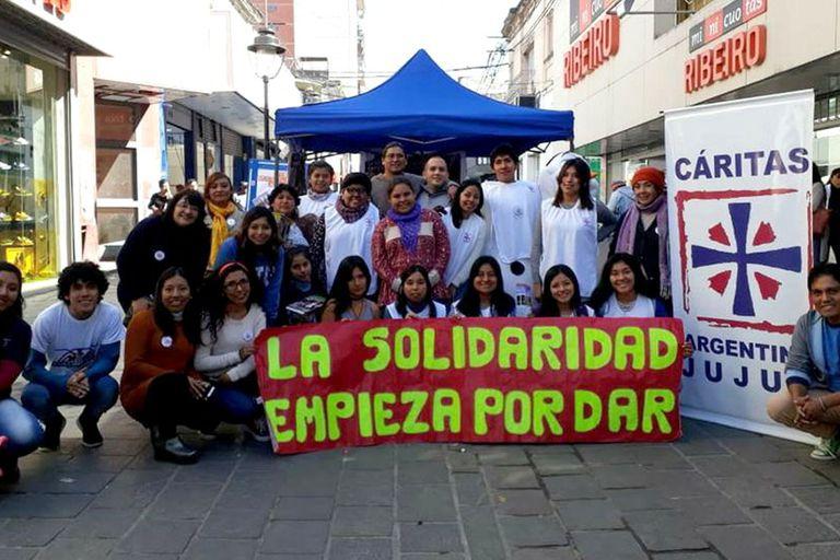 Desde Cáritas, aseguran que, debido a la crisis económica, a las personas les cuesta comprometerse con las donaciones mensuales