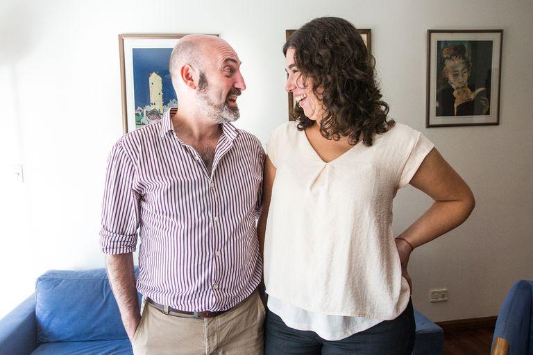 Los autores de Cómo criar hijxs no sexistas invitan a los padres a cuestionar estereotipos en pos de una crianza inclusiva e igualitaria
