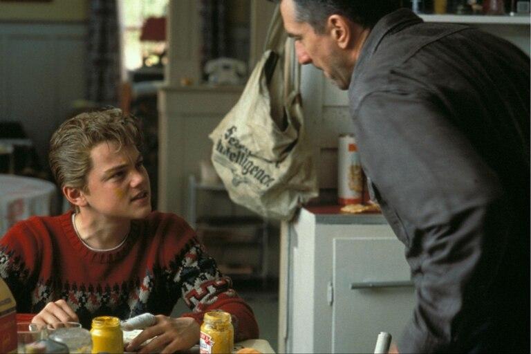 DiCaprio junto a Robert De Niro en Mi vida como hijo, la película que, según el actor, lo salvó