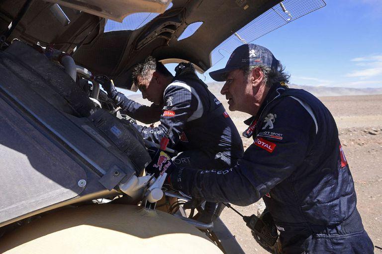 Carlos Sainz tuvo que abandonar el Dakar