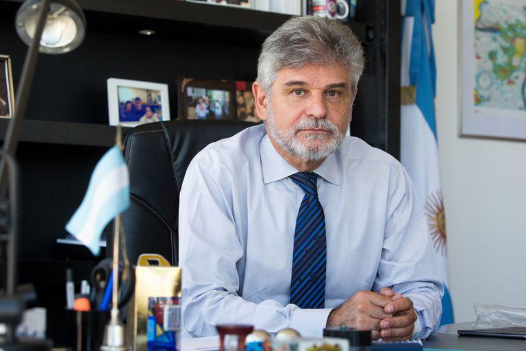 Daniel Filmus expresó su rechazo respecto de la marcha atrás de la UAR sobre los tuits discriminatorios de los jugadores