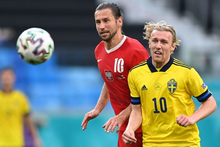Emil Forsberg, futbolista sueco, convirtió el tanto que le da el triunfo parcial a Suecia que se está quedando con el primer puesto del grupo E