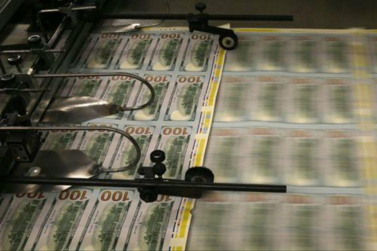 En estados Unidos está prohibido por ley imprimir dólares fuera del territorio nacional