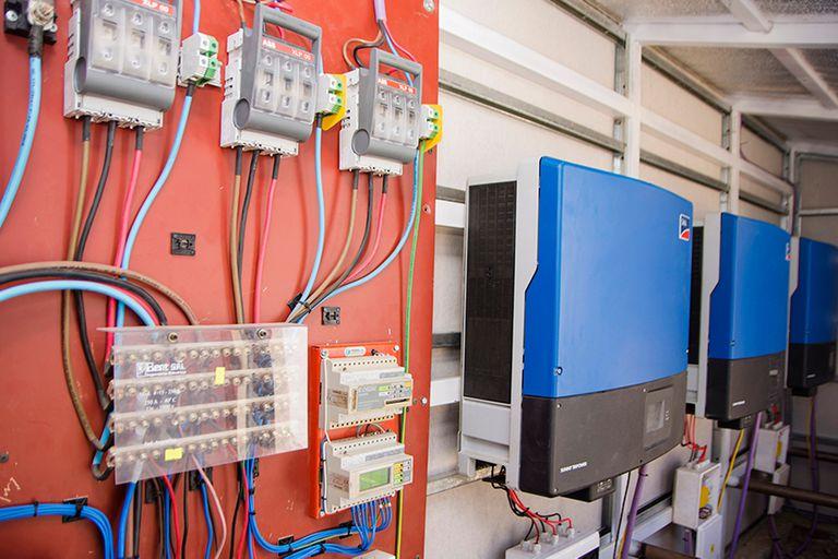 Detalle del sistema de autoabastecimiento de energía solar
