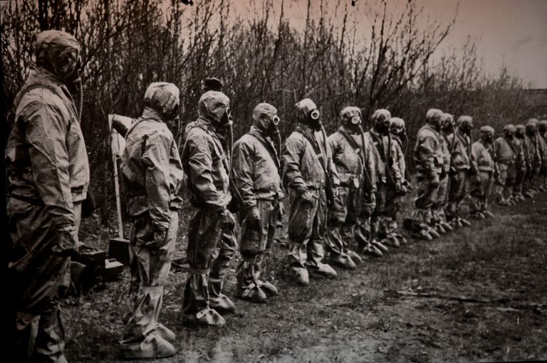 """Los """"liquidadores"""" eran personal llamado para ayudar con las operaciones de limpieza después del desastre."""