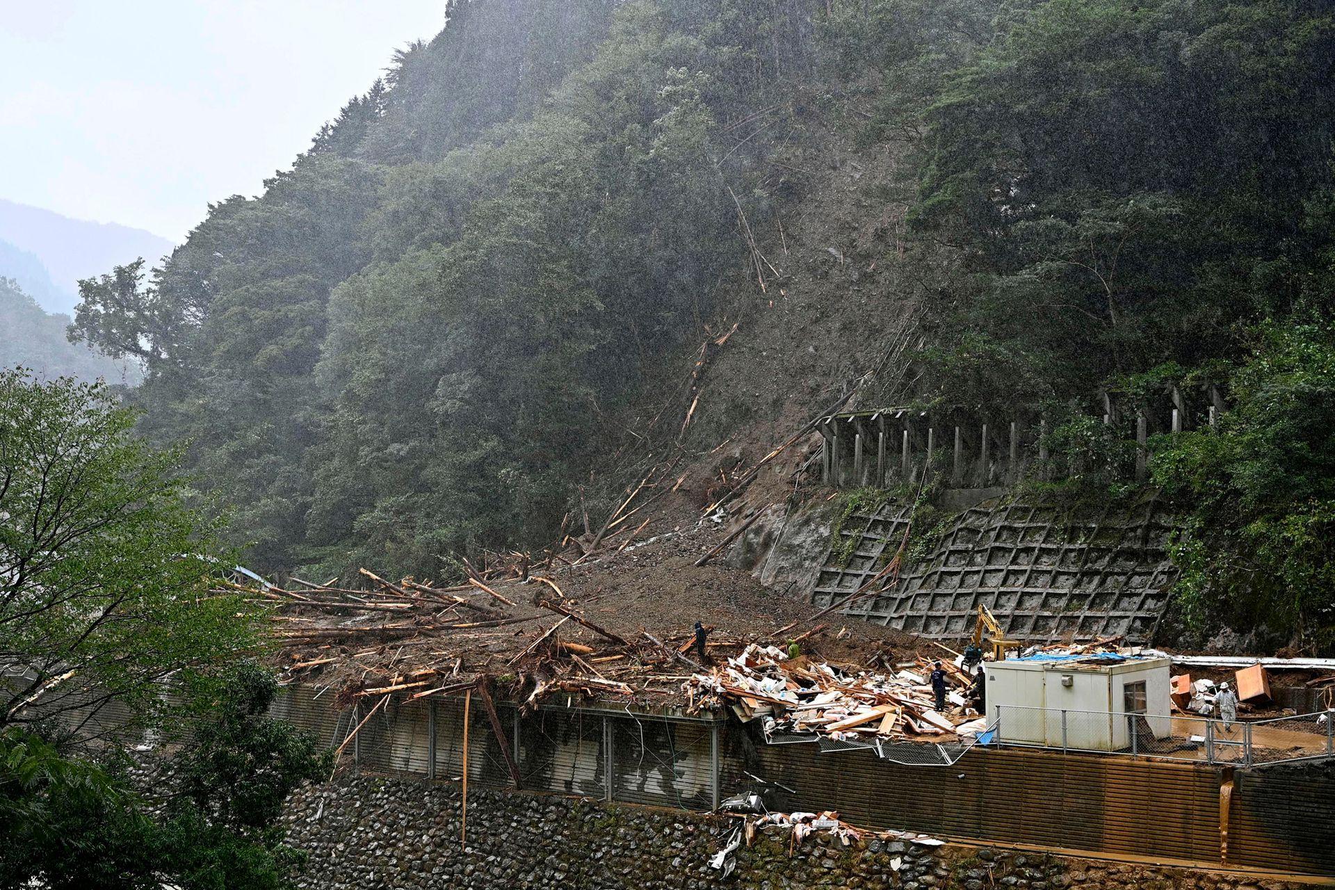 Haisen azotó el suroeste de Japón durante el fin de semana con vientos y lluvia y dejó 38 heridos, cinco de ellos graves.