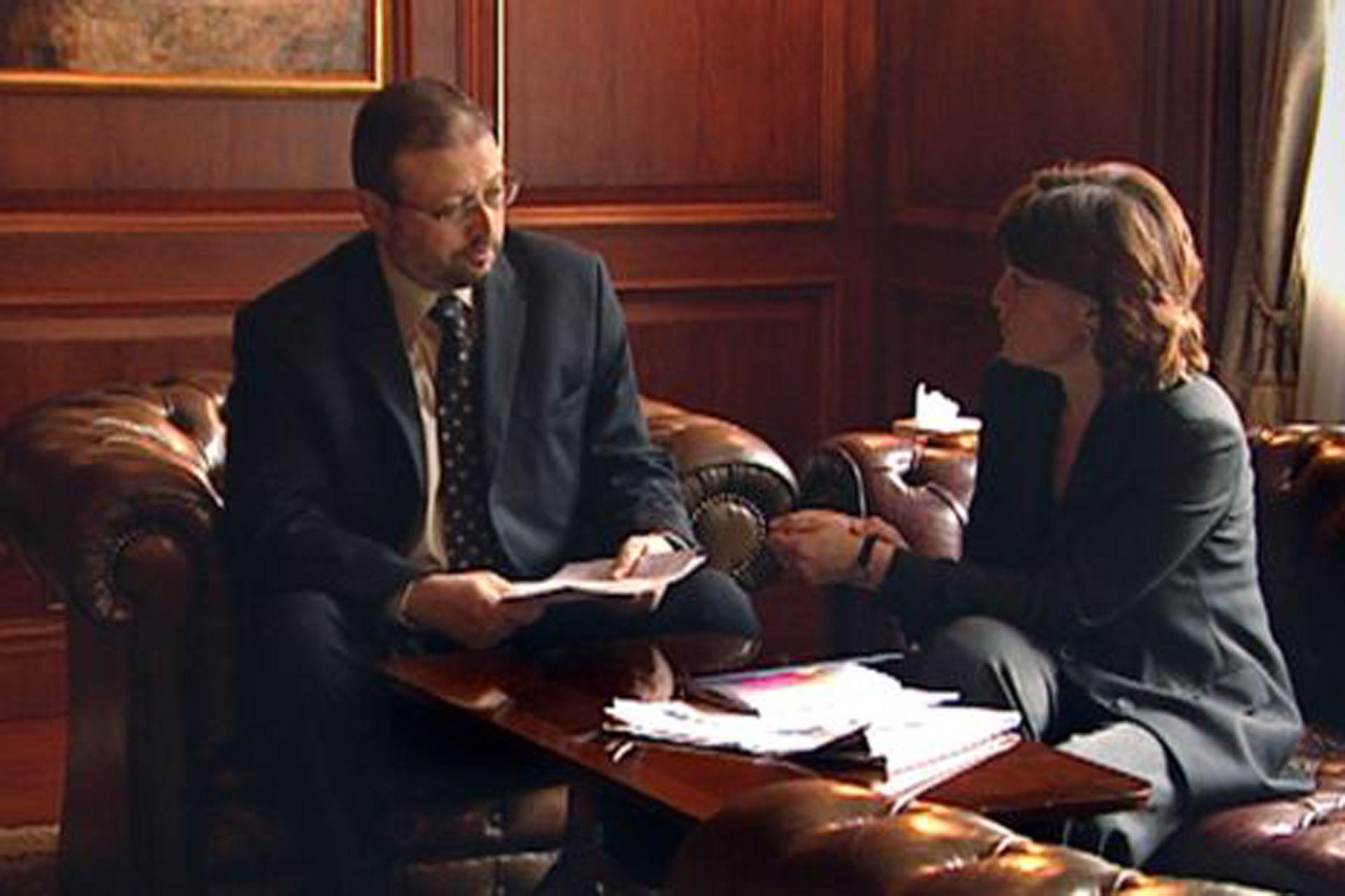 Jamal Khashoggi y la periodista Jane Corbin en 2004
